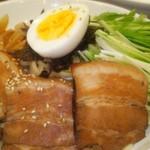 中華飯店 天津餃子房 - 具だくさんつけ麺