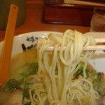 げんこつ - 麺アップ
