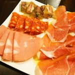 フォンテベッラ - 料理写真:おまかせ4種肉盛プレート(ハーフ)