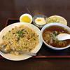 あたか飯店 - 料理写真:五目チャーハン+半ラーメン('17/02/15)