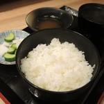 天ぷらとワイン大塩 - ご飯とアオサ潮汁