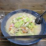 天鼓  - 料理写真:デフォルトのチャンポンは630円。 私は、チャンポンに野菜特盛120円(通常の野菜盛は70円)を追加トッピング。