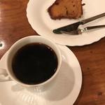62659783 - ストロングコーヒー、オレンジケーキ                       1500円、800円