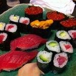 加根古 - 寿司盛り合わせ