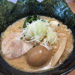 クリーミーTonkotsuラーメン 麺家神明 - とんこつ¥777