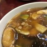 華吉 - 椎茸以外には青梗菜に肉など