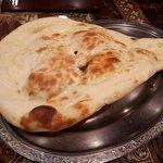インド料理モハン - ハーフナン(おかわり)(2017.2)
