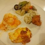 レストラン白根 - 海老チリ、煮物、焼売、鶏唐揚げ、グラタンのようなもの