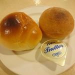 レストラン白根 - バターロール、丸パン