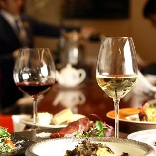 季節や旬の素材と、お料理にあったワインを。