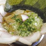 ぬーじボンボン メンデス - レアチャーシューワンタン麺