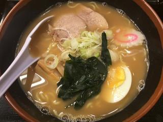 名代 富士そば 西武新宿店 - 煮干しラーメン ¥450