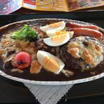 レストラン オクタ - 料理写真:スペシャル焼カレー¥1800