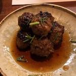 62682314 - 鴨つみれ タレ焼き 580円。上質な鴨を使ったつくねは、脂の美味しさも一味違います。