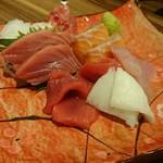 日本酒と旨い刺身 和酒バル 奏 - 刺身盛り合わせ