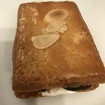 巴裡 小川軒 - 【2017.2.10】サックサクのクッキーの上にはスライスアーモンドが
