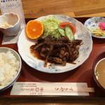津ミートカシワギ - ご飯、みそ汁、小鉢付き   お会計紙の置き場所が笑えました(^^)