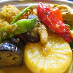 ビスターレ・カナ - サラサラの野菜カレー