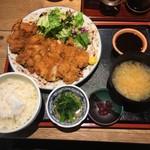 角打 - 鶏かつ定食750円