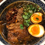 虎春屋 - 特製牛バラ坦々麺