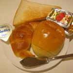 レストラン白根 - 食パン、バターロール、クロワッサン