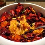 虞妃 - 大山地鶏から揚げ びっくり唐辛子炒め