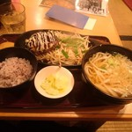 武州うどんあかねandみどりダイニング - 日替わりハンバーグ定食 テリマヨ(\770)