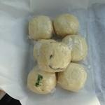 飯塚屋 - 料理写真:おまんじゅうたち