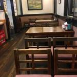 62720970 - 店内 テーブル席
