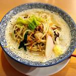 麺屋 ばんび - たっぷりの野菜ラーメン
