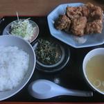 中華飯店萬龍軒 - 料理写真:から揚定食