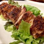 海まる - 料理写真:若鶏のスパイシー大串焼842円