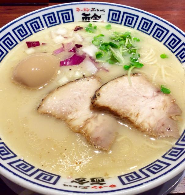麺道 而今 総本家 - 「天然塩の極上あさりそば(並)」(750円)。味玉はクーポンでゲット。