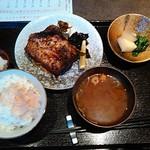 酒肴 まさむら - 赤魚の粕漬けオーブン焼き定食980円