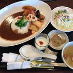 中国レストラン 雪園 - 料理写真:日替わりランチ 850円
