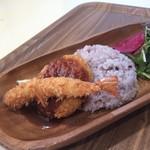 和食カフェ 風瑠 - 海老フライとカニクリームコロッケプレート
