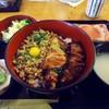 鳥繁 - 料理写真:「鳥繁丼」770円也。税込。