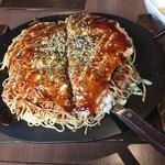 鉄板焼お好み焼 花子 - 麺W850円