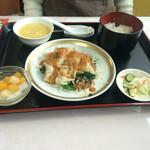 麻婆菜館 - 妻の四川辛味ごまだれ餃子、740えん       チョット豪華さに欠けます…