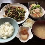 あんず - 料理写真:レバニラ炒め定食 660円
