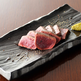 BALTON特製炭焼き肉!串焼き以外の創作料理も豊富♪