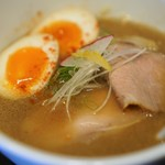 Menya Kotetsu - 料理写真:鶏&魚介の中華SOBA(醤油)780円