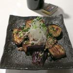 鉄板焼 野菜バル 籠女 - 焼き茄子の生姜鶏そぼろ