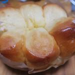 クリーブラッツ - ちぎりパンは220円