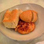 タヴェルナ エレナ - 自家製パン