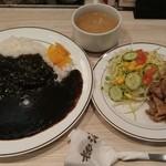 キッチン ジロー - ブラックカレーとスタミナ焼