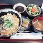 四季ダイニング 菜の葉 - カツ丼800円(税込)
