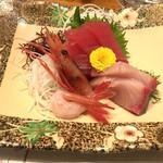 和食処 まさご - コースのお刺身、マグロ、ハマチ、甘エビ