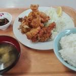 波止場食堂 - 鳥の唐揚げ定食500円