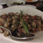 Fujin Tree Taiwanese Cuisine & Champagne - 牡蠣の味付炒め、牡蠣をちょっとピリッとした味に炒めてあります。